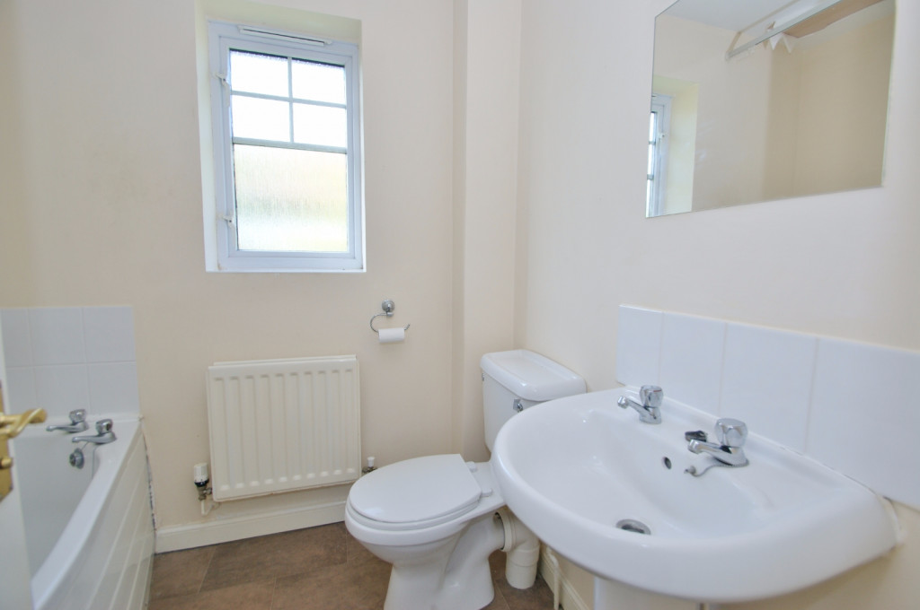 2 bed end of terrace house for sale in Pannell Drive, Hawkinge, Folkestone 6