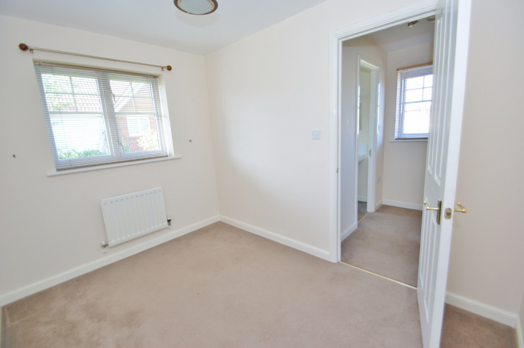 2 bed end of terrace house for sale in Pannell Drive, Hawkinge, Folkestone  - Property Image 8