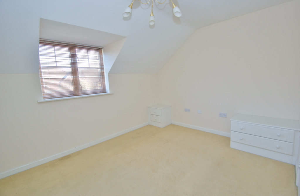 2 bed end of terrace house for sale in Pannell Drive, Hawkinge, Folkestone  - Property Image 9
