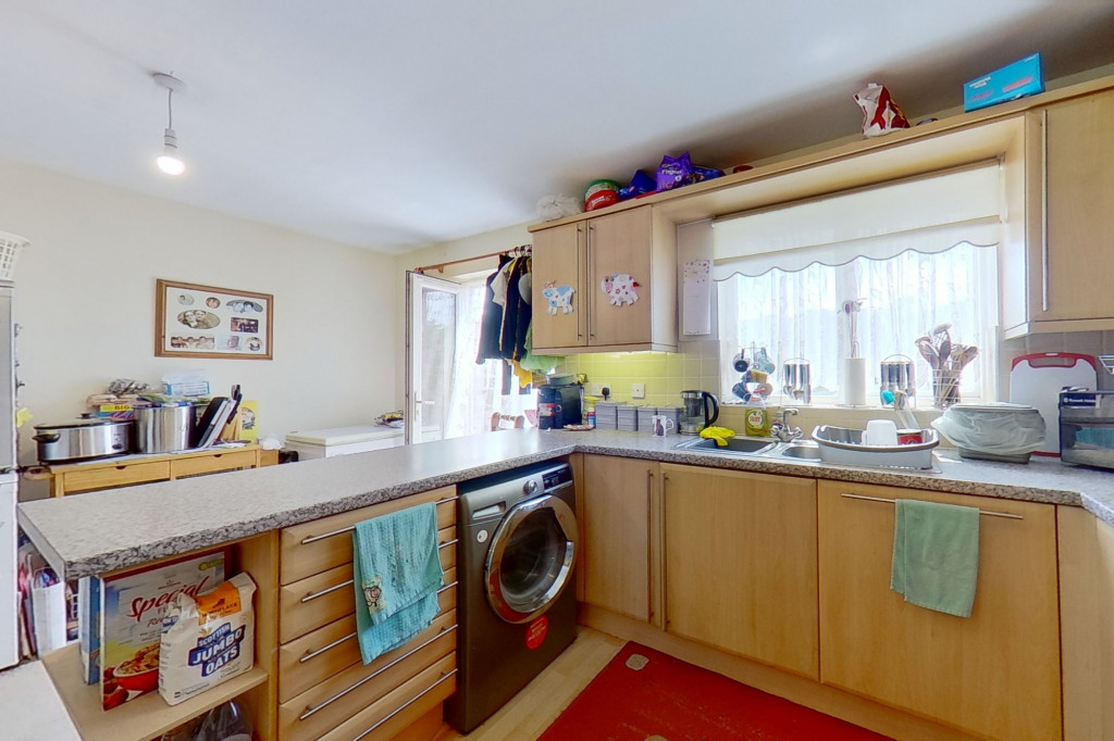 5 bed terraced house for sale in Bryony Drive, Park Farm, Ashford 6