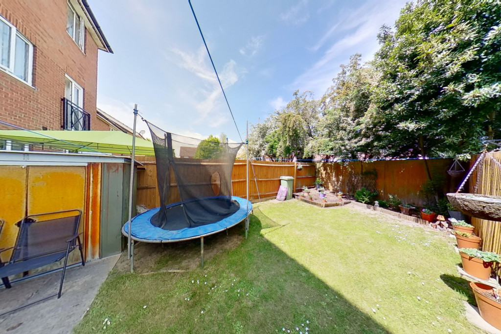5 bed terraced house for sale in Bryony Drive, Park Farm, Ashford 14