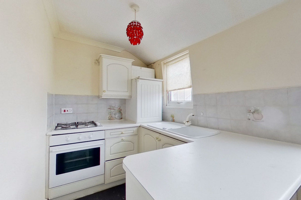 1 bed flat for sale in Victoria Grove, Folkestone 0