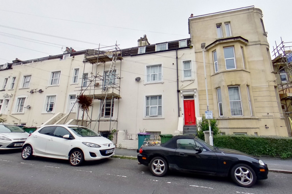 1 bed flat for sale in Victoria Grove, Folkestone 1