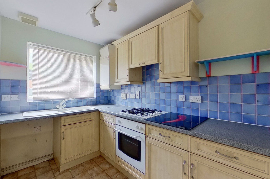 2 bed terraced house for sale in Mitchell Avenue, Hawkinge 2