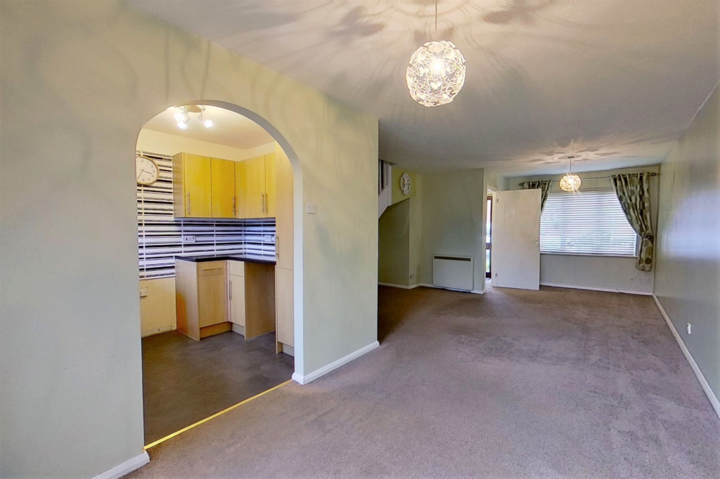 3 bed terraced house to rent in Bank Side, Hamstreet, Ashford  - Property Image 4