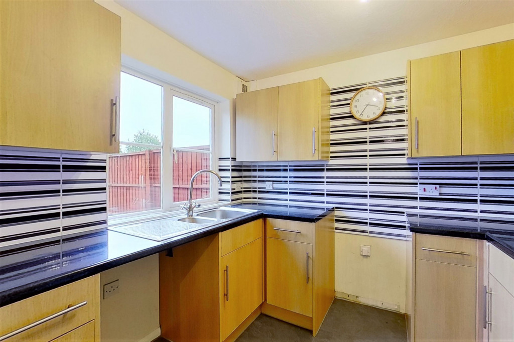 3 bed terraced house to rent in Bank Side, Hamstreet, Ashford  - Property Image 5