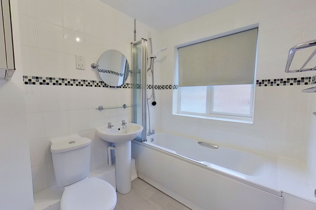 3 bed terraced house to rent in Bank Side, Hamstreet, Ashford  - Property Image 9
