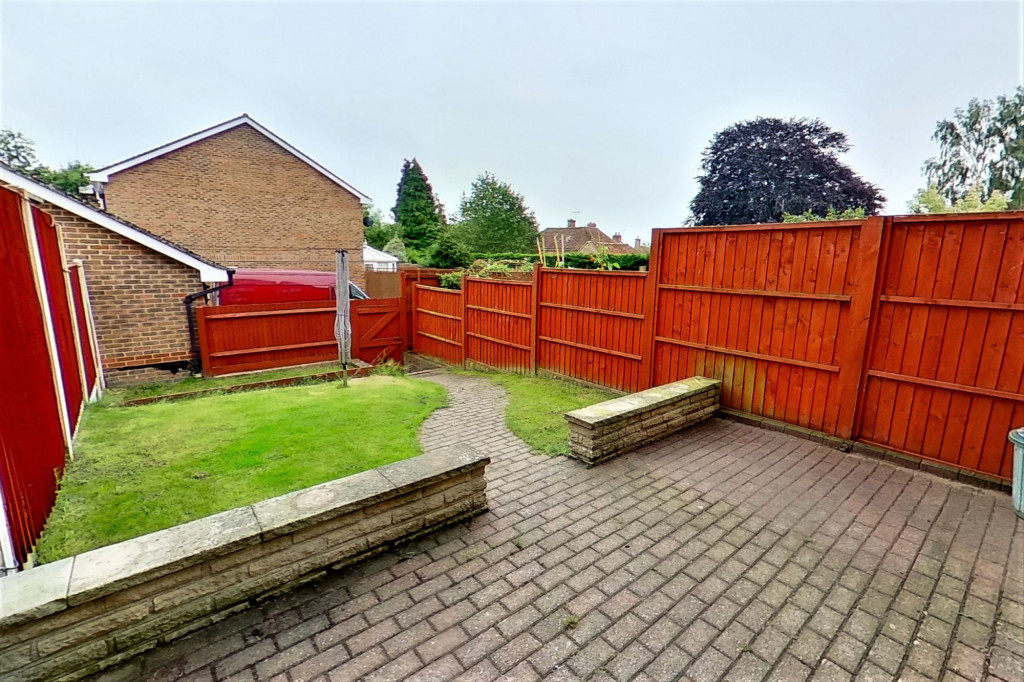 3 bed terraced house to rent in Bank Side, Hamstreet, Ashford 9