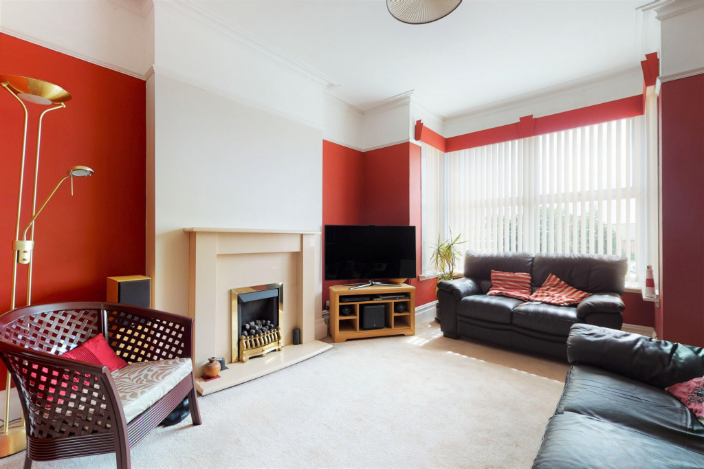 3 bed semi-detached house to rent in Sackville Crescent, Ashford  - Property Image 2
