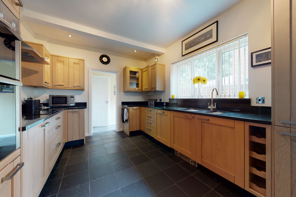 3 bed semi-detached house to rent in Sackville Crescent, Ashford  - Property Image 4