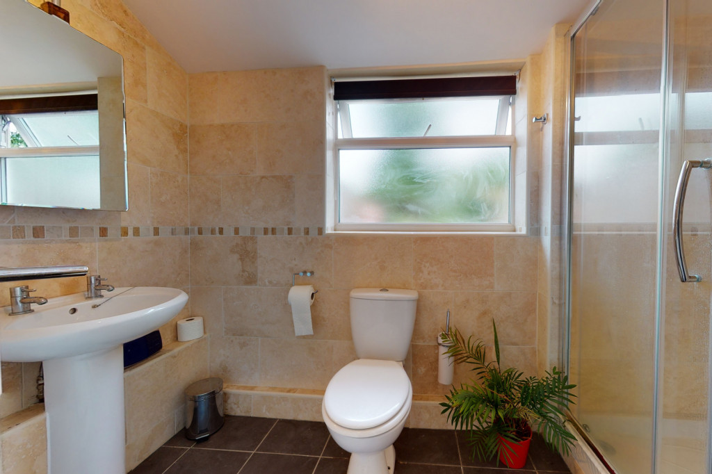 3 bed semi-detached house to rent in Sackville Crescent, Ashford 5