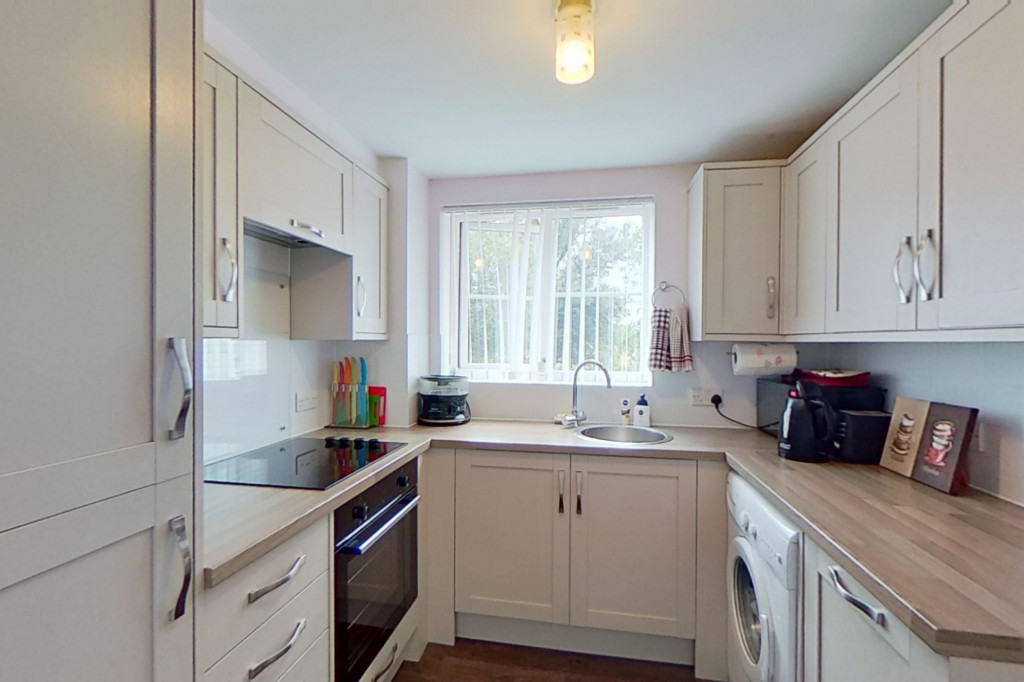 2 bed apartment for sale in Richard Hillary Close, Ashford 4