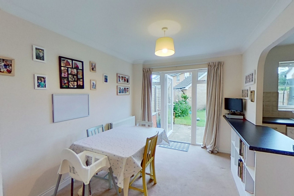 3 bed semi-detached house for sale in Blackthorn Way, Ashford  - Property Image 4