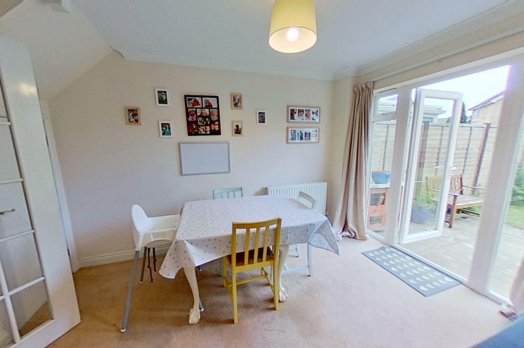 3 bed semi-detached house for sale in Blackthorn Way, Ashford  - Property Image 5
