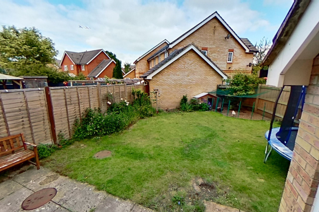 3 bed semi-detached house for sale in Blackthorn Way, Ashford  - Property Image 11