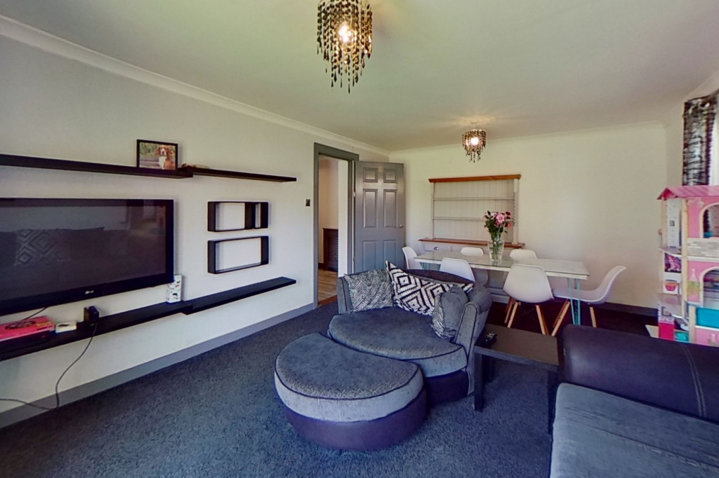3 bed end of terrace house for sale in Falcon Way, Ashford  - Property Image 3