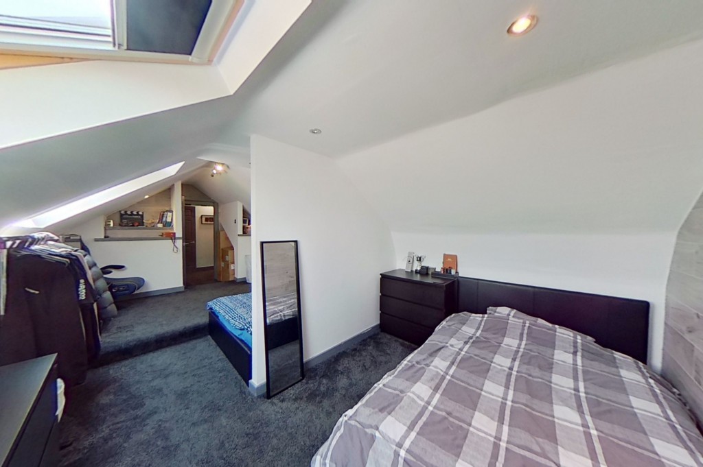 3 bed end of terrace house for sale in Falcon Way, Ashford 10