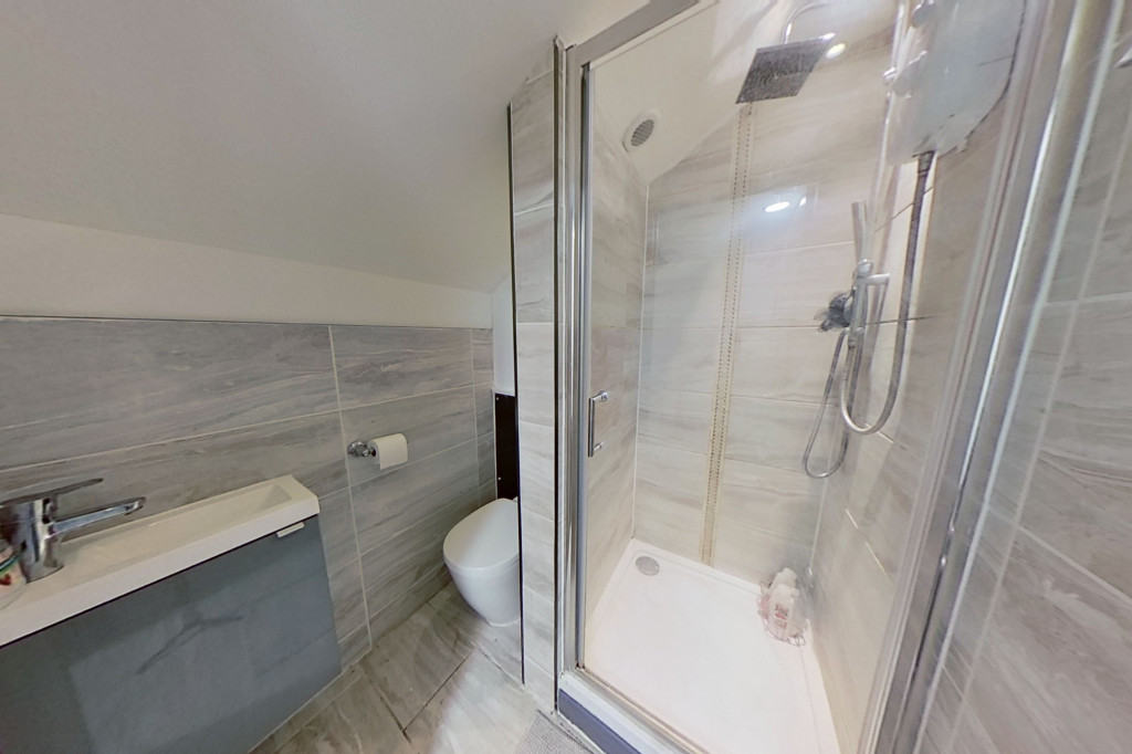 3 bed end of terrace house for sale in Falcon Way, Ashford 11