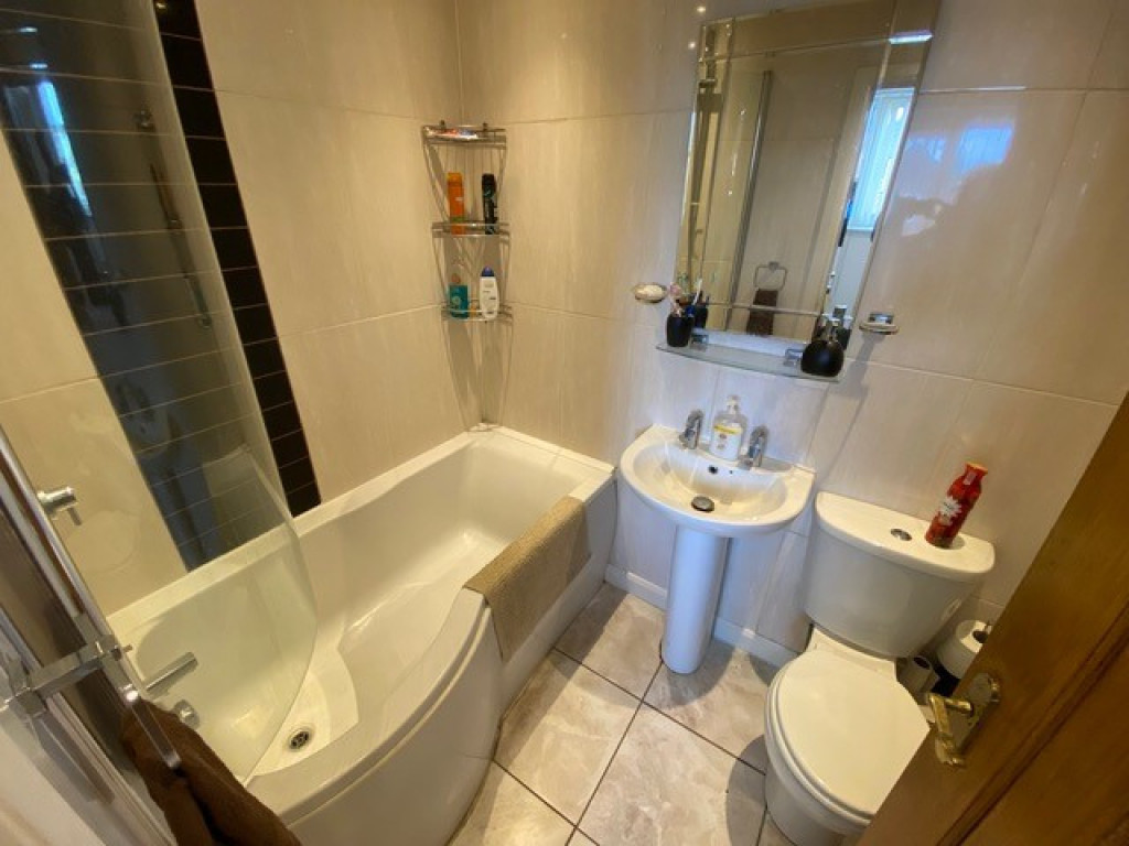 2 bed flat to rent in Brinsworth Lane, Rotherham 5