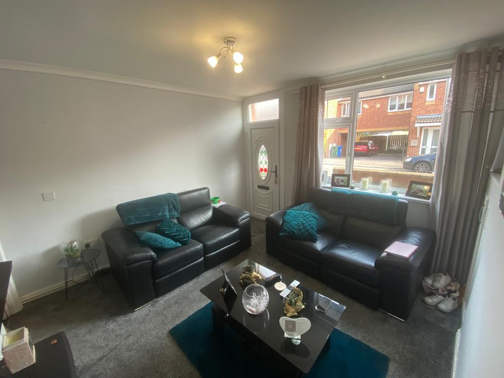 3 bed end of terrace house to rent in Arundel Drive, Mansfield 3