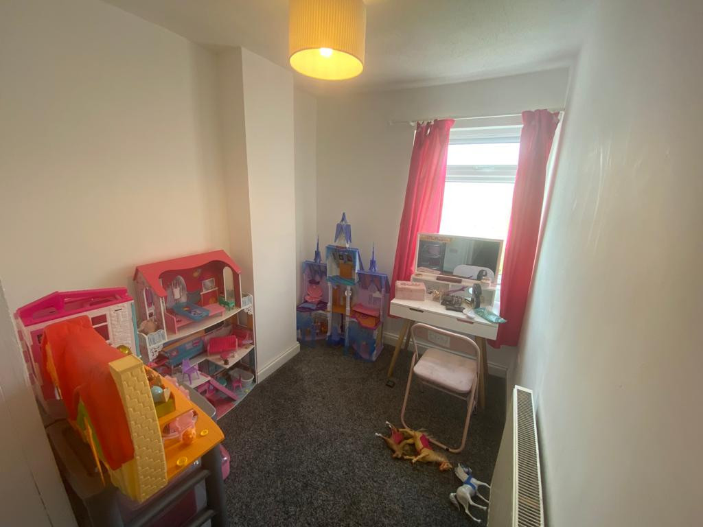 3 bed end of terrace house to rent in Arundel Drive, Mansfield 8