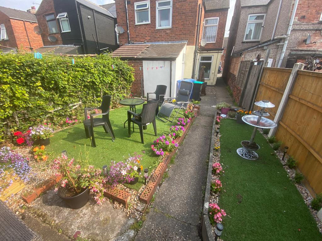 3 bed end of terrace house to rent in Arundel Drive, Mansfield 13