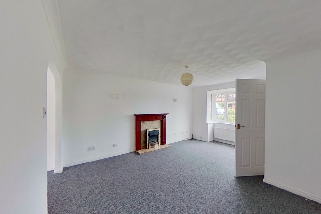 3 bed detached house to rent in Grantley Close, Ashford 1