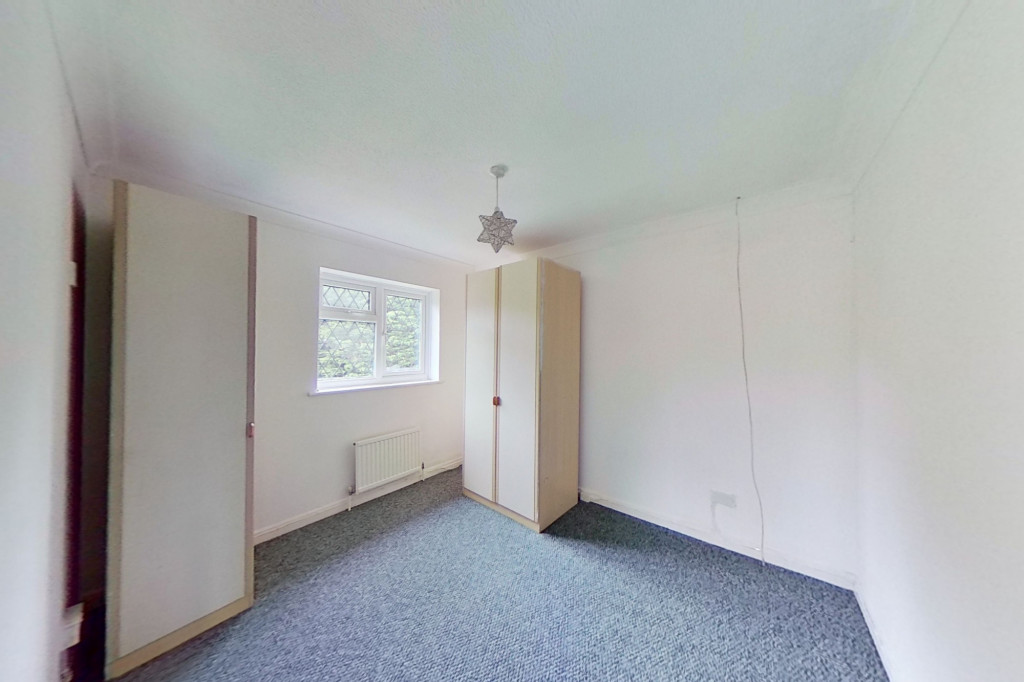 3 bed detached house to rent in Grantley Close, Ashford 6