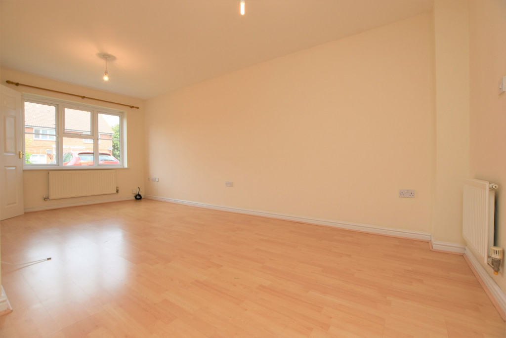 2 bed terraced house for sale in Wood Lane, Kingsnorth, Ashford  - Property Image 2