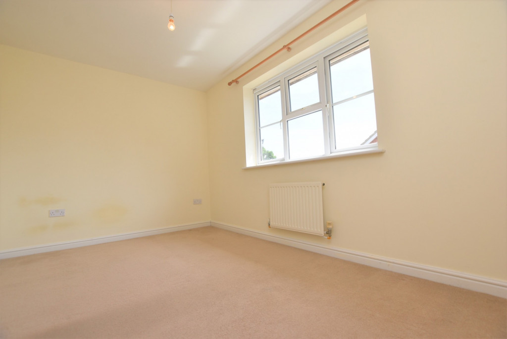 2 bed terraced house for sale in Wood Lane, Kingsnorth, Ashford  - Property Image 9