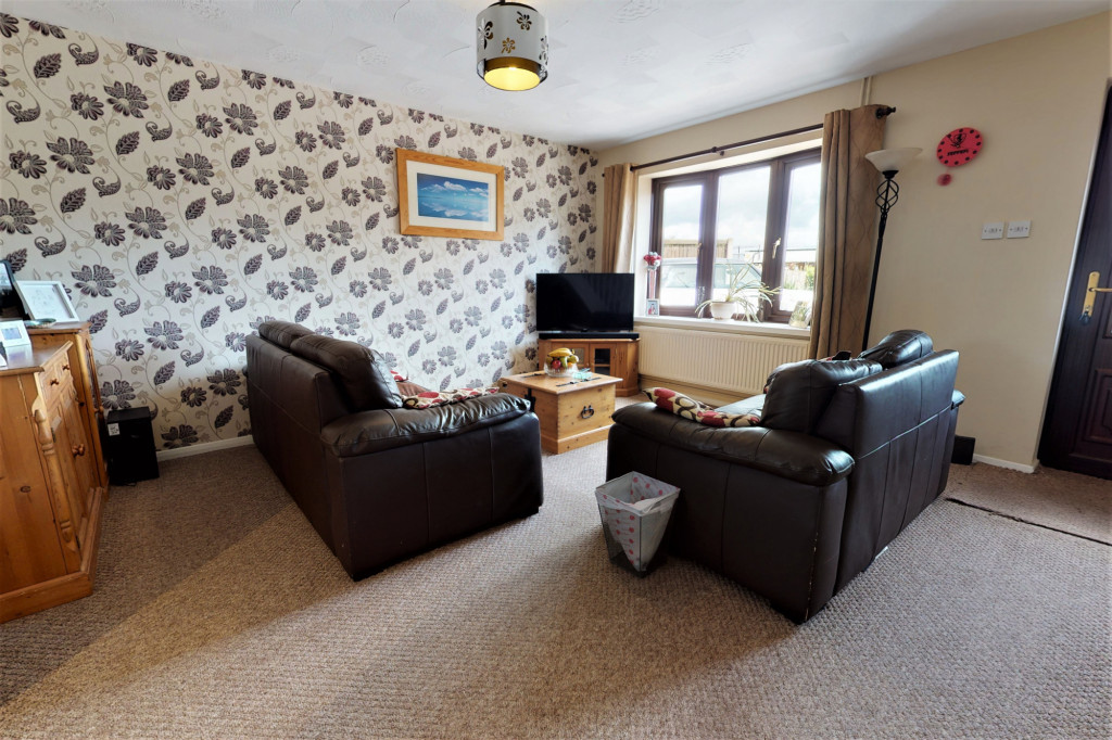 4 bed end of terrace house for sale in The Sidings, Dymchurch, Romney Marsh  - Property Image 3