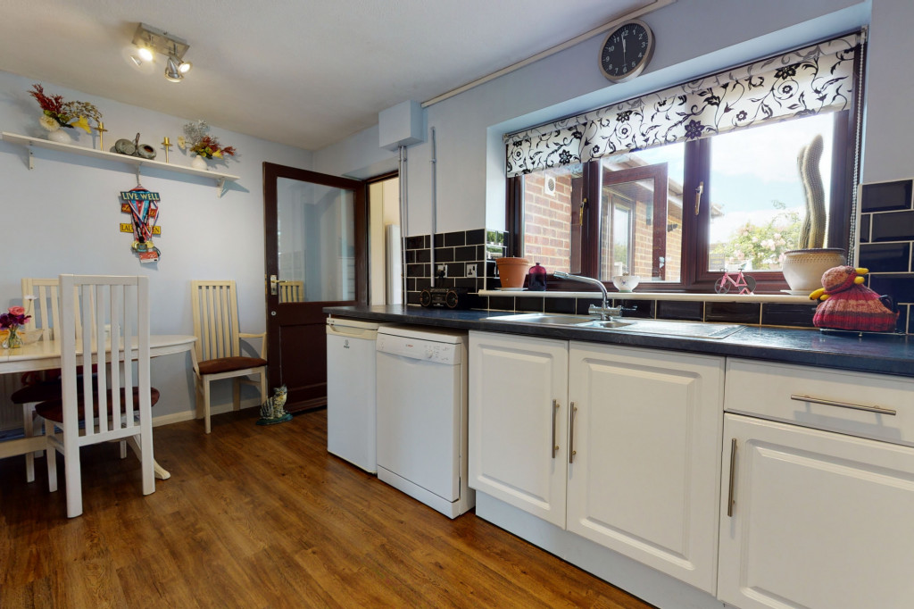4 bed end of terrace house for sale in The Sidings, Dymchurch, Romney Marsh 5