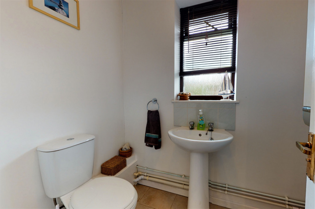 4 bed end of terrace house for sale in The Sidings, Dymchurch, Romney Marsh 7