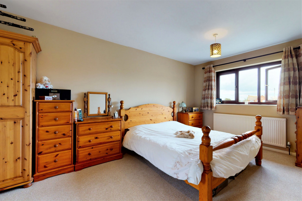 4 bed end of terrace house for sale in The Sidings, Dymchurch, Romney Marsh 8