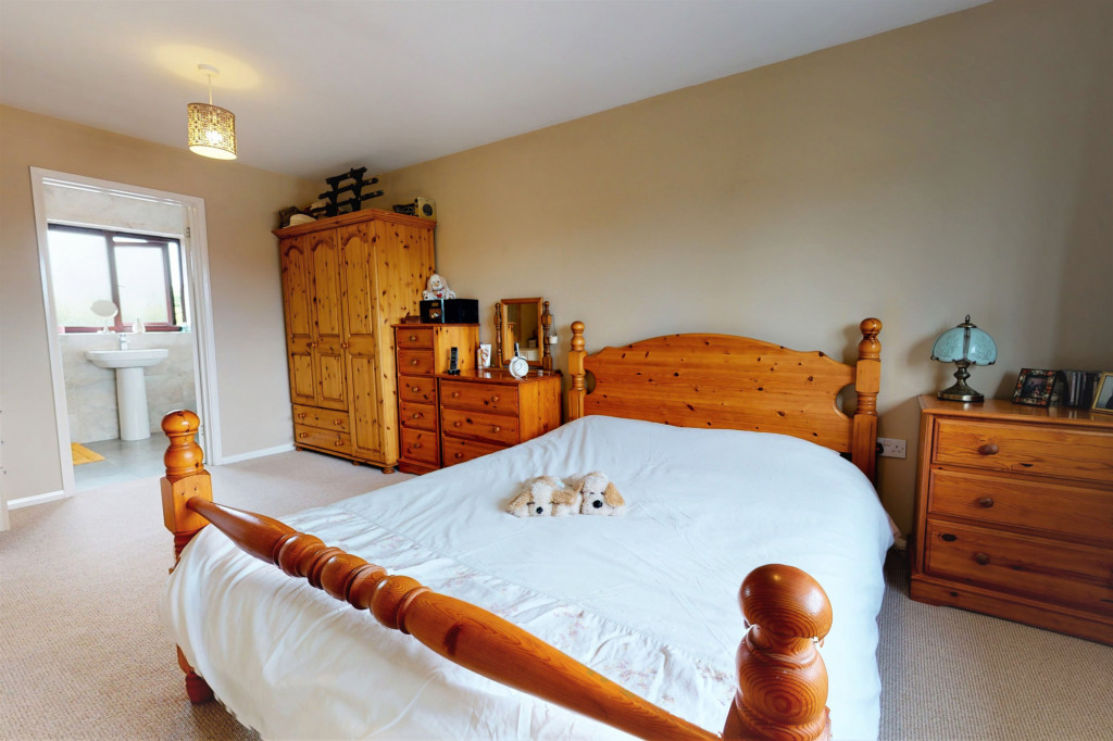 4 bed end of terrace house for sale in The Sidings, Dymchurch, Romney Marsh  - Property Image 10