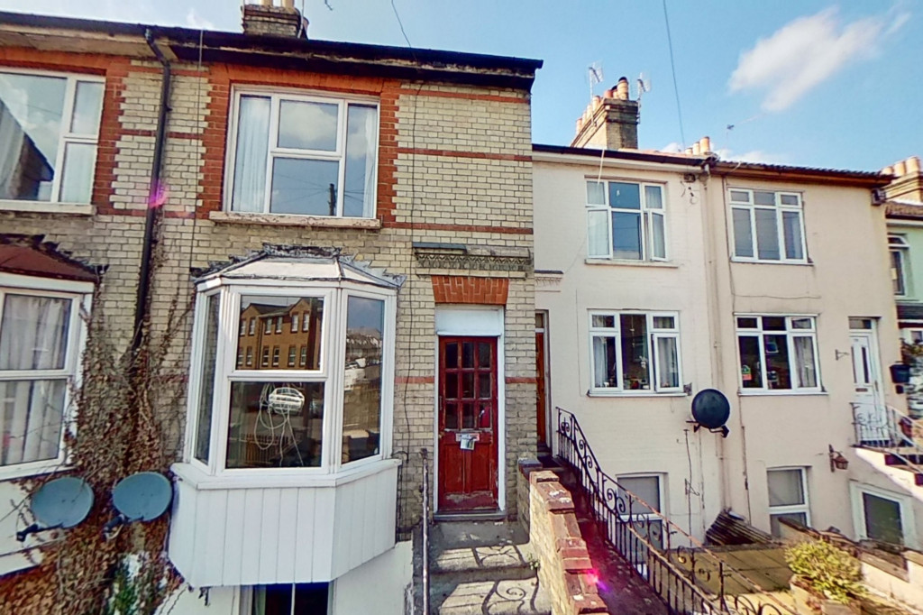 3 bed terraced house for sale in Hartnup Street, Maidstone - Property Image 1