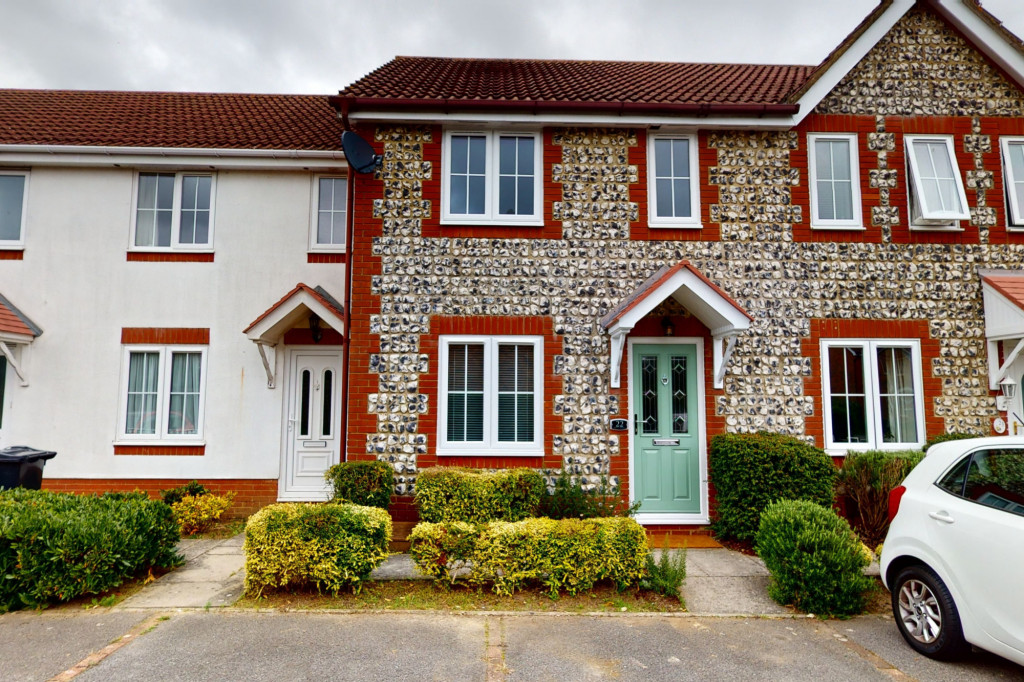 2 bed terraced house to rent in Smithy Drive, Kingsnorth, Ashford 0