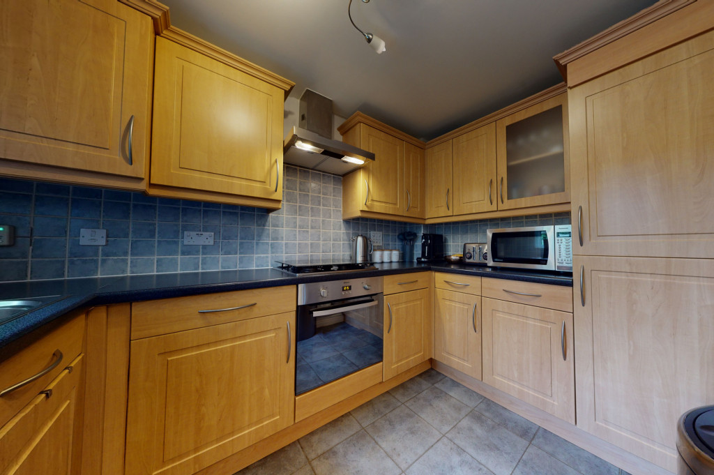 3 bed end of terrace house for sale in Swaffer Way, Singleton, Ashford  - Property Image 2