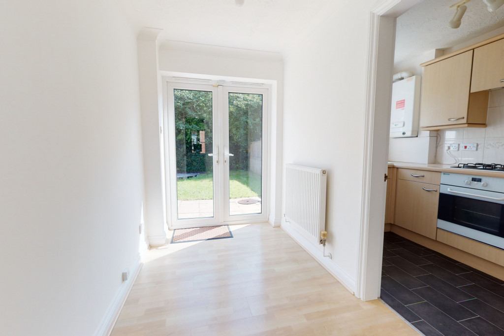 2 bed semi-detached house to rent in Manor House Drive, Ashford 4