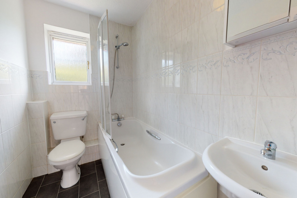2 bed semi-detached house to rent in Manor House Drive, Ashford 8