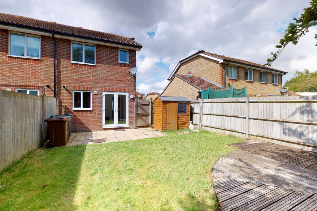 2 bed semi-detached house to rent in Manor House Drive, Ashford 12