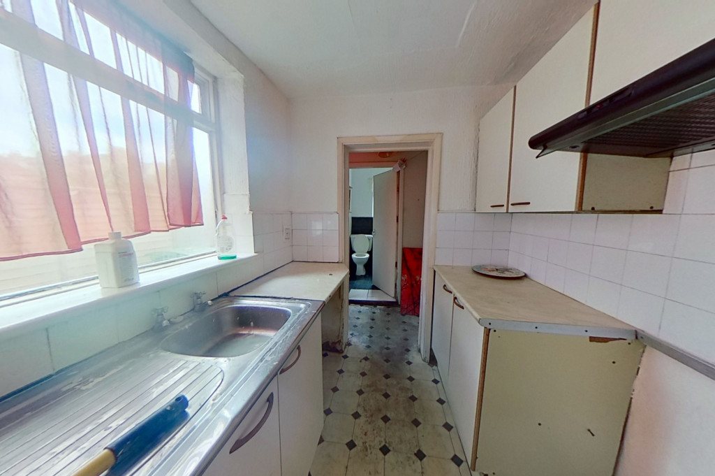 3 bed terraced house for sale in Perryfield Street, Maidstone 3