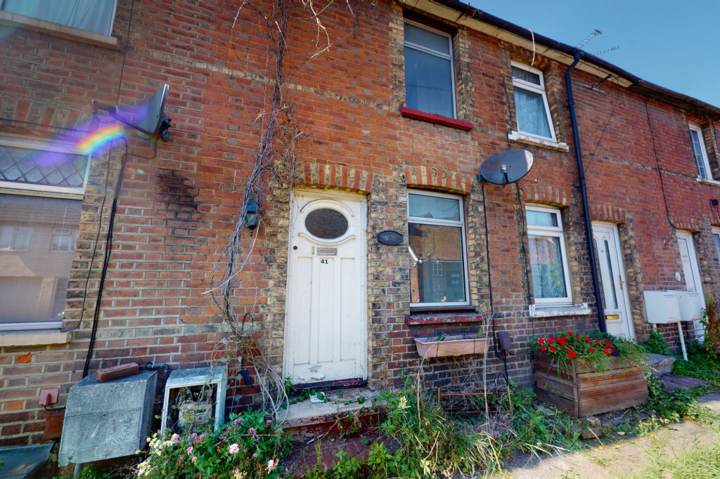 2 bed terraced house for sale in New Hythe Lane, Aylesford 0