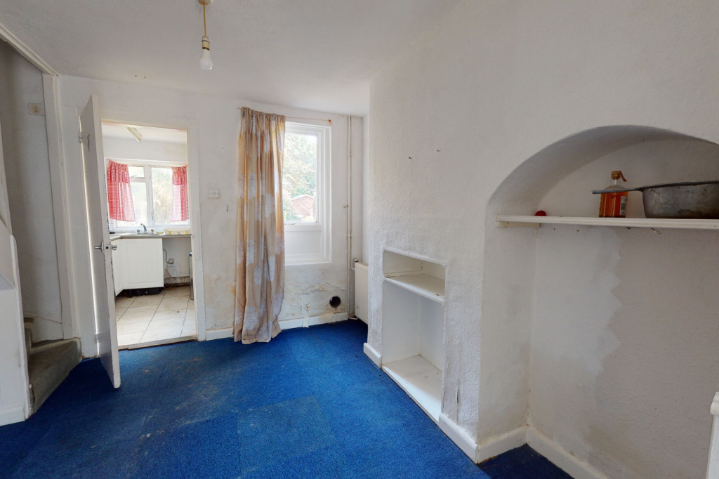 2 bed terraced house for sale in New Hythe Lane, Aylesford 2