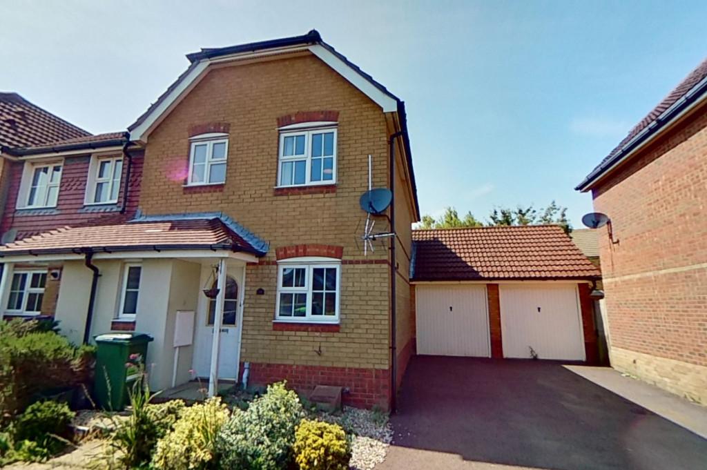 3 bed end of terrace house to rent in Ingram Close, Hawkinge, Folkestone 0