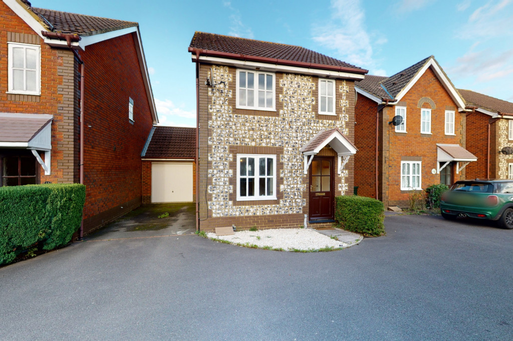 3 bed link detached house for sale in Roman Way, Ashford, Ashford  - Property Image 1