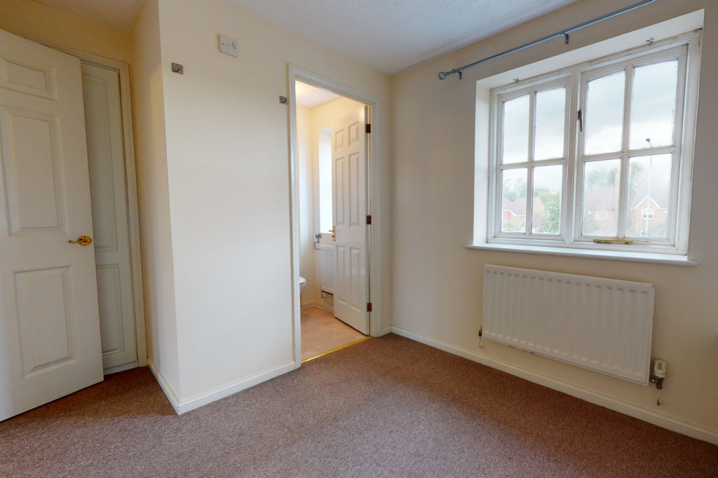 3 bed link detached house for sale in Roman Way, Ashford, Ashford 5