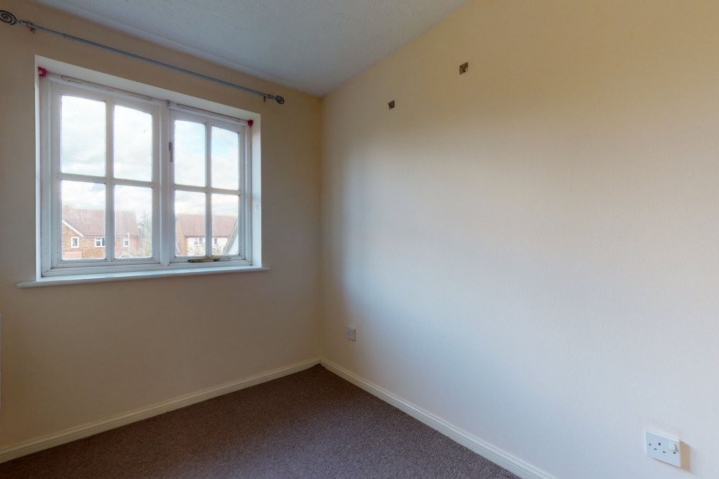 3 bed link detached house for sale in Roman Way, Ashford, Ashford 9