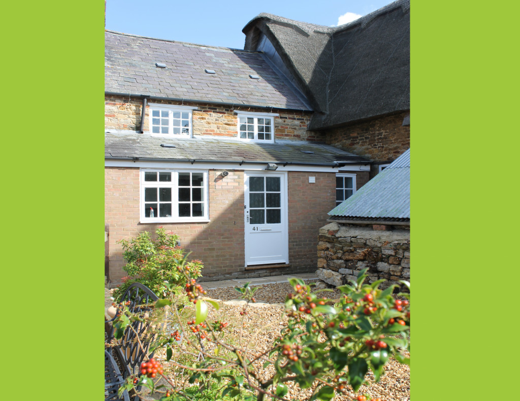 2 bed cottage to rent in West Street, Northampton 0