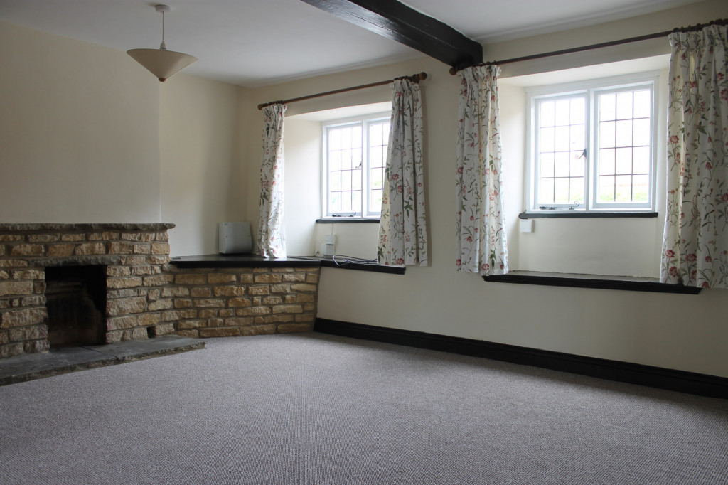 2 bed cottage to rent in West Street, Northampton 1